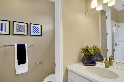San Clemente Model2116 Lone-large-020-7-Bathroom-1500x998-72dpi