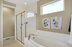 San Clemente Model2116 Lone-large-025-20-Master Bath-1500x998-72dpi