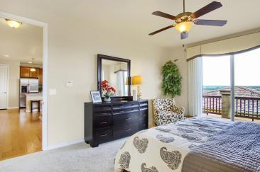 Coronado Model2116 Lone Willow-large-016-7-Master Bedroom-1500x998-72dpi