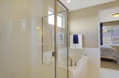 San Clemente Model2116 Lone-large-024-16-Master Bath-1500x998-72dpi