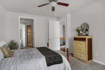 Sausalito Model2161 Lost Quail-large-020-25-Master Bedroom-1500x998-72dpi