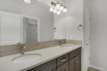Sausalito Model2161 Lost Quail-large-031-22-Bathroom-1500x998-72dpi